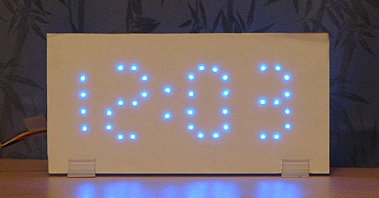 Ledkitz giant bright fun led clock kits our unique wiring pattern doesnt need a traditional pcb with tiny parallel tracks on it you simply twist the led leads directly to other leads solutioingenieria Images